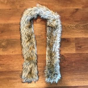 Abercrombie & Fitch Faux Fur Scarf